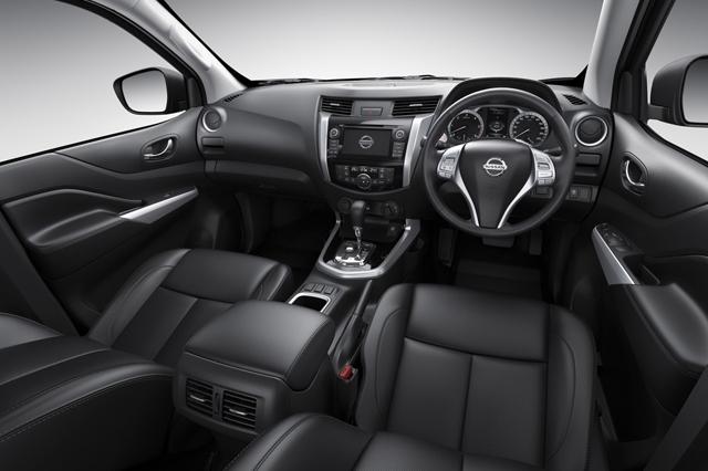 Interni-Nissan-NP300-Navara