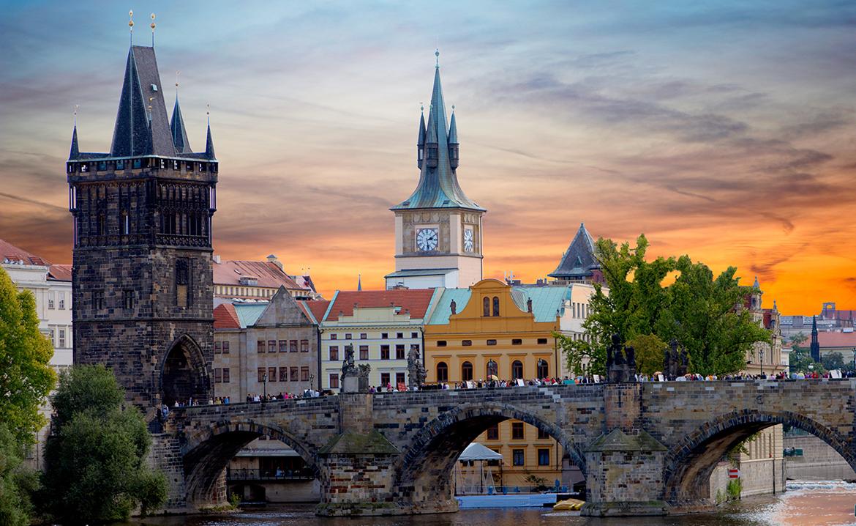Praga per due, idee per un soggiorno romantico: tour tra monumenti e ...