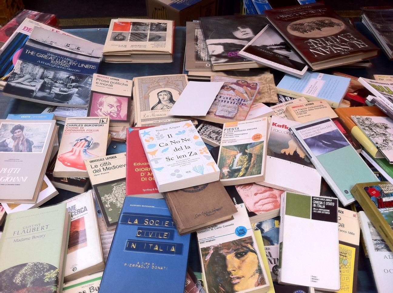 Libri usati a met prezzo dove comprare i testi di scuola for Siti dove acquistare libri