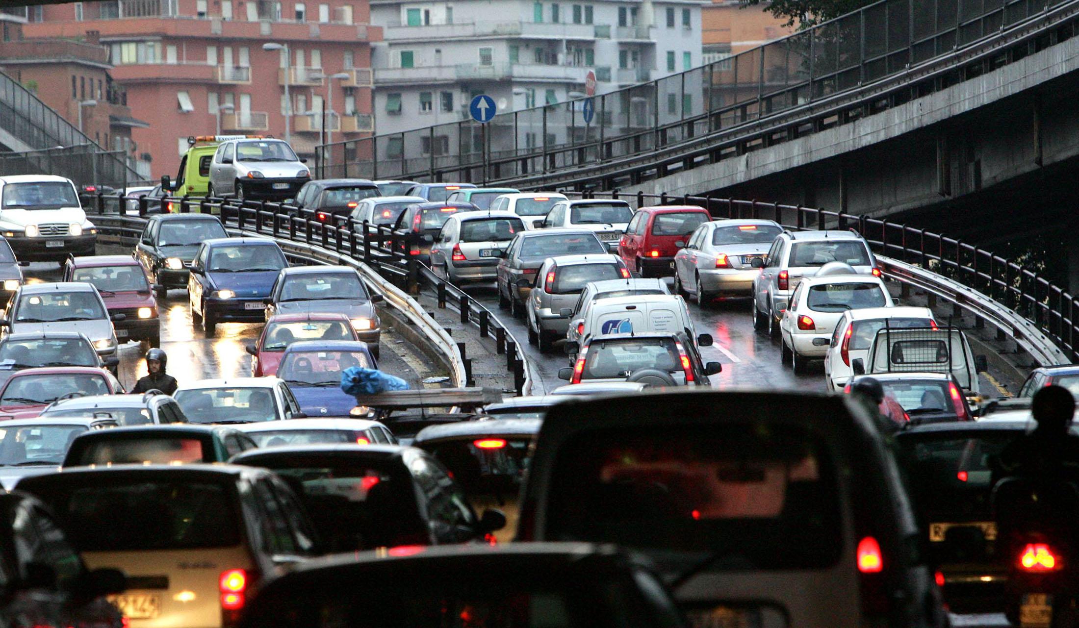 Risultati immagini per traffico napoli