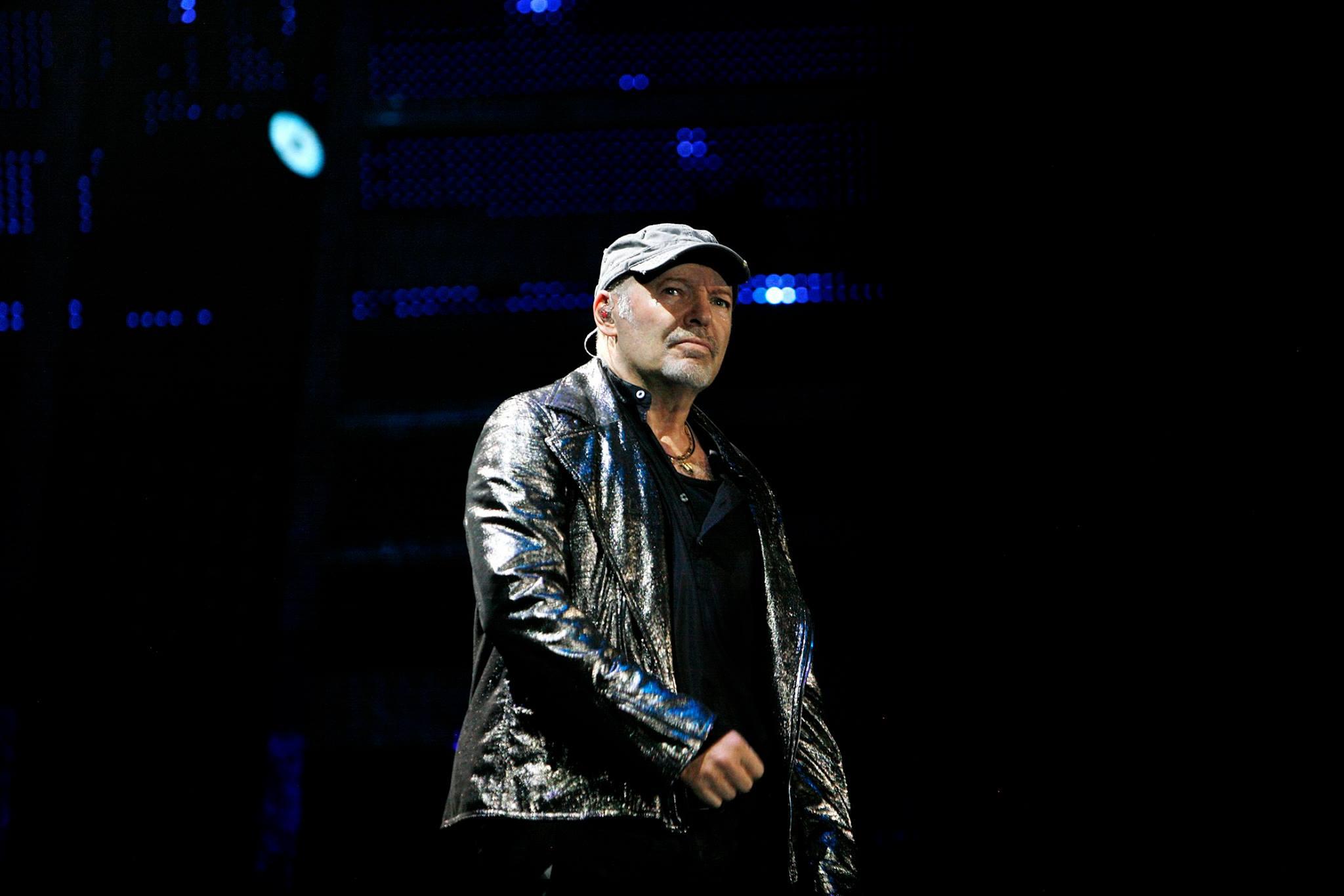 Concerto vasco rossi modena 2017 data ufficiale for Vasi rossi