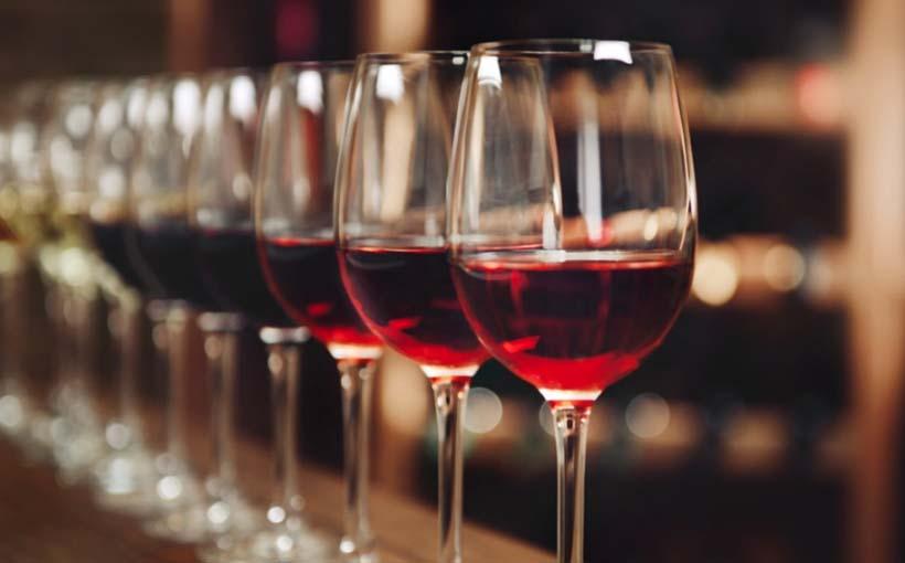 Top Frasi sul vino, celebri e divertenti: i migliori aforismi  LK85