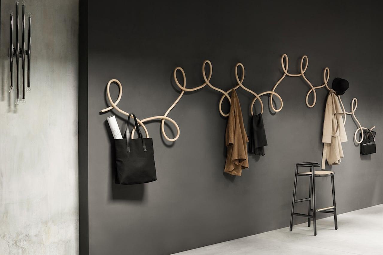 Appendiabiti da parete design moderni in legno o ferro battuto con specchio e per bambini - Appendiabiti con specchio da parete ...