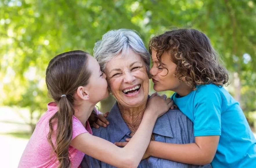 Buon Compleanno Nonna Frasi Di Auguri Divertenti E Originali Per 70